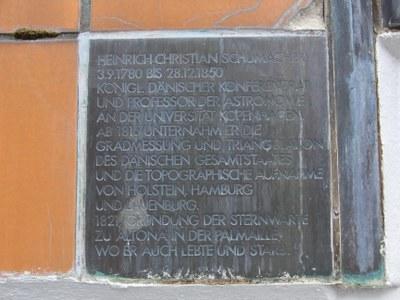 Erinnerungstafel an Heinrich Christian Schumacher